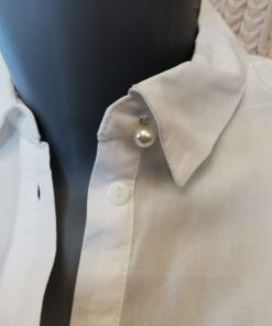 Chemise blanche col bouton perle