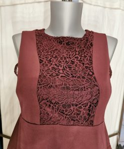 Robe bordeaux sans manches molly bracken.