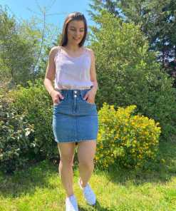 Jupe courte jean taille haute marque Only.