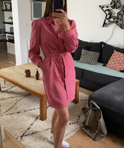 Robe courte rose cintrée marque Only.