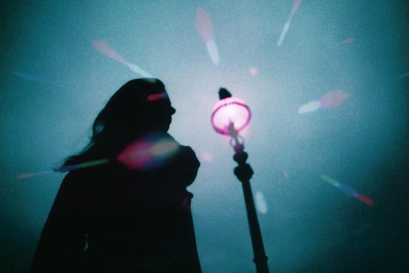 Photos extraites de séries de Maya Beano, oniriques