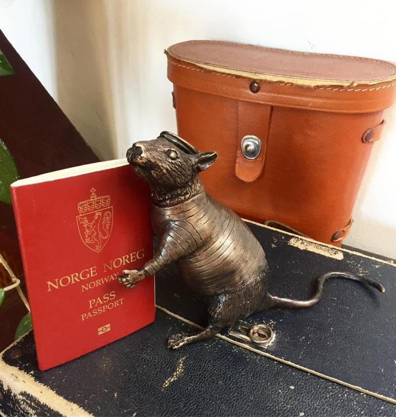 rat sculpture
