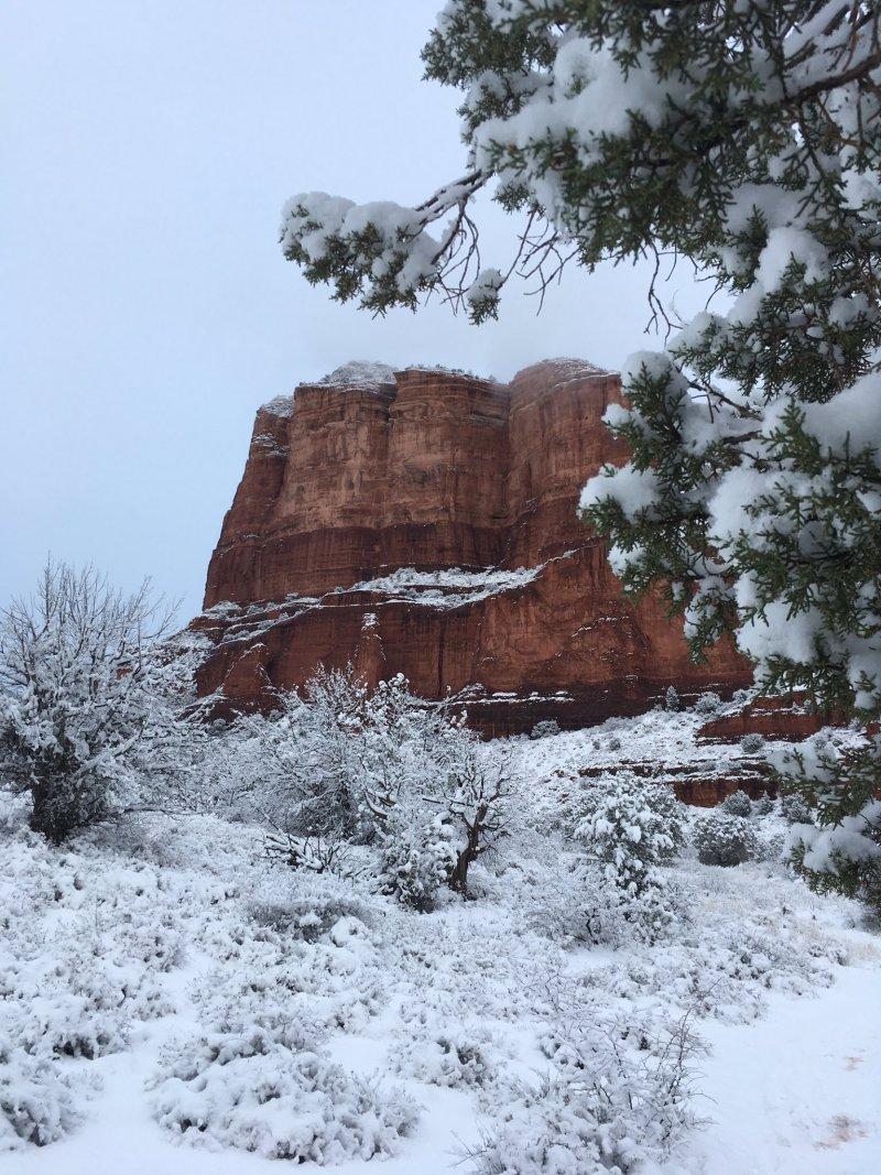 sedona arizona sous la neige