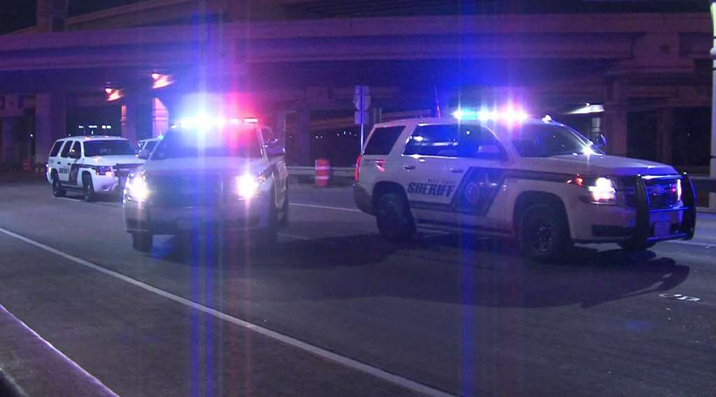 High-speed chase ends up in Bexar County - Bexar County