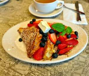 French Toast Brioche with fruit