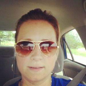 avaiator sunglasses in gold
