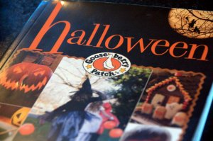 Gooseberry Patch Halloween Recipe and Craft Book