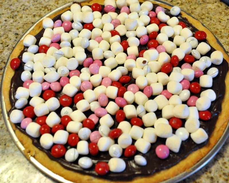 Candy Pizza – Cookie Cake Cooking with Kids Recipe