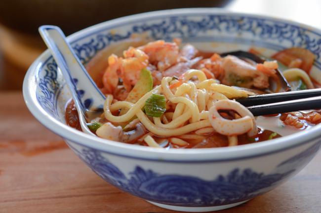 Korean Spicy Seafood Noodle Soup, Jjamppong