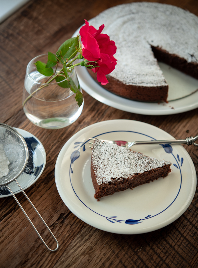 Flourless Chocolate Almond Cake (Torta Caprese)