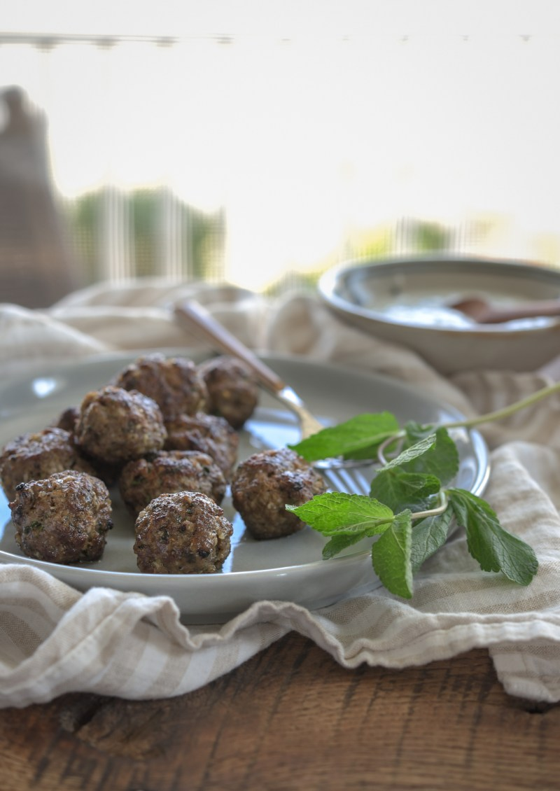 Broiled middle eastern meatballs are quick to make without any added fat.