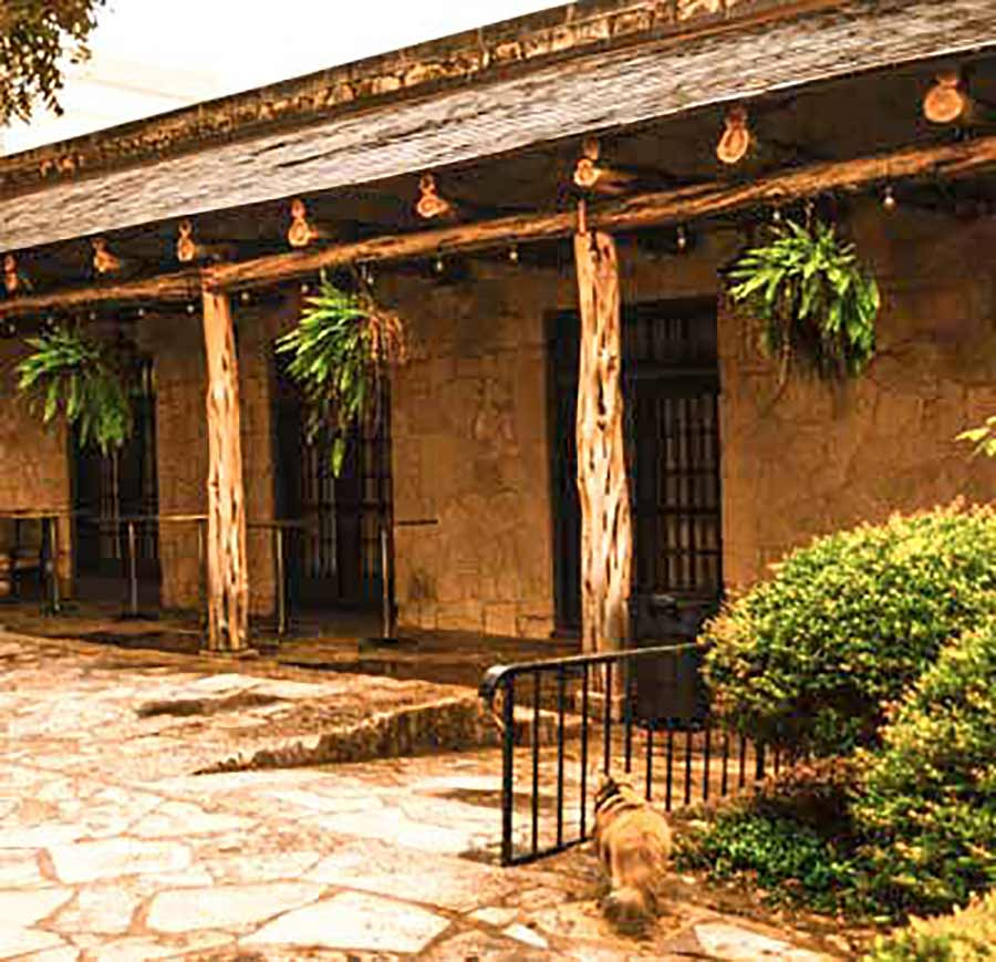 the-alamo-courtyard-san-antonio