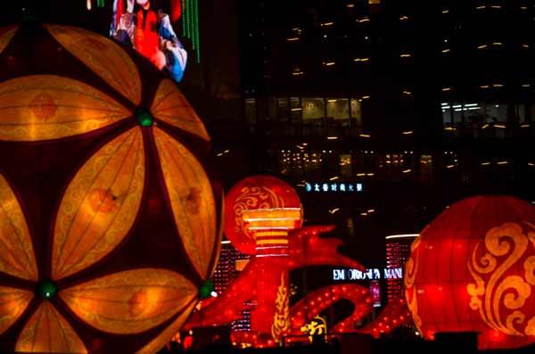 chinese-new-year-beautiful-flower-balls-at-night