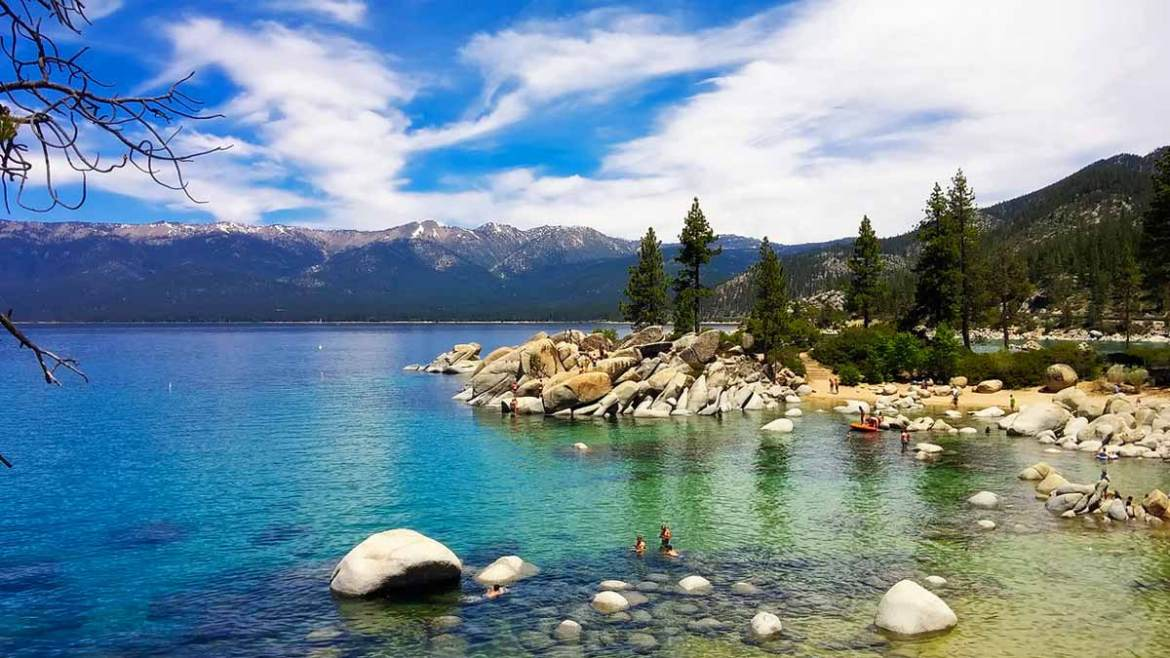 lake-tahoe-beautiful-blue-lake-romantic-places-for-valentines-day