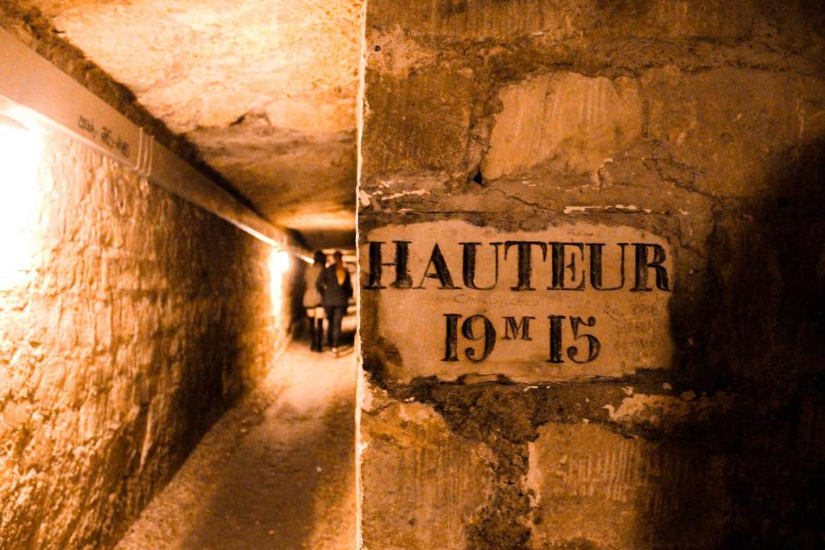 a-guide-to-paris-catacombs-france