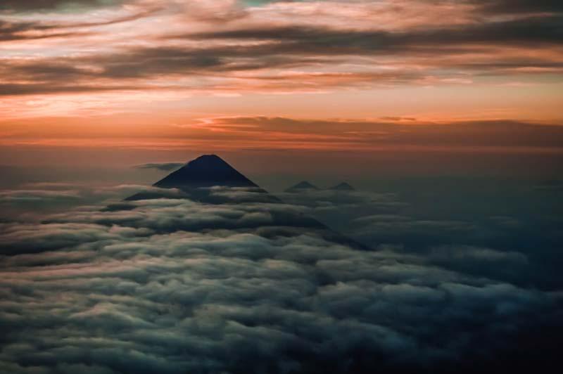 acatenango-sunrise-early-morning