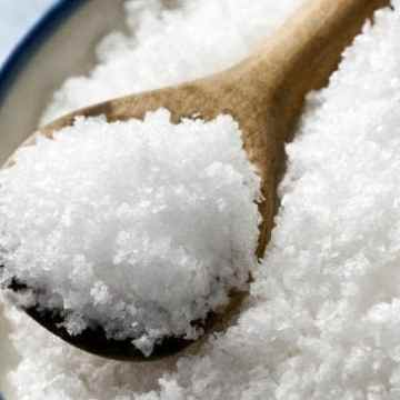 Paleo Debunking: Is Salt Healthy?