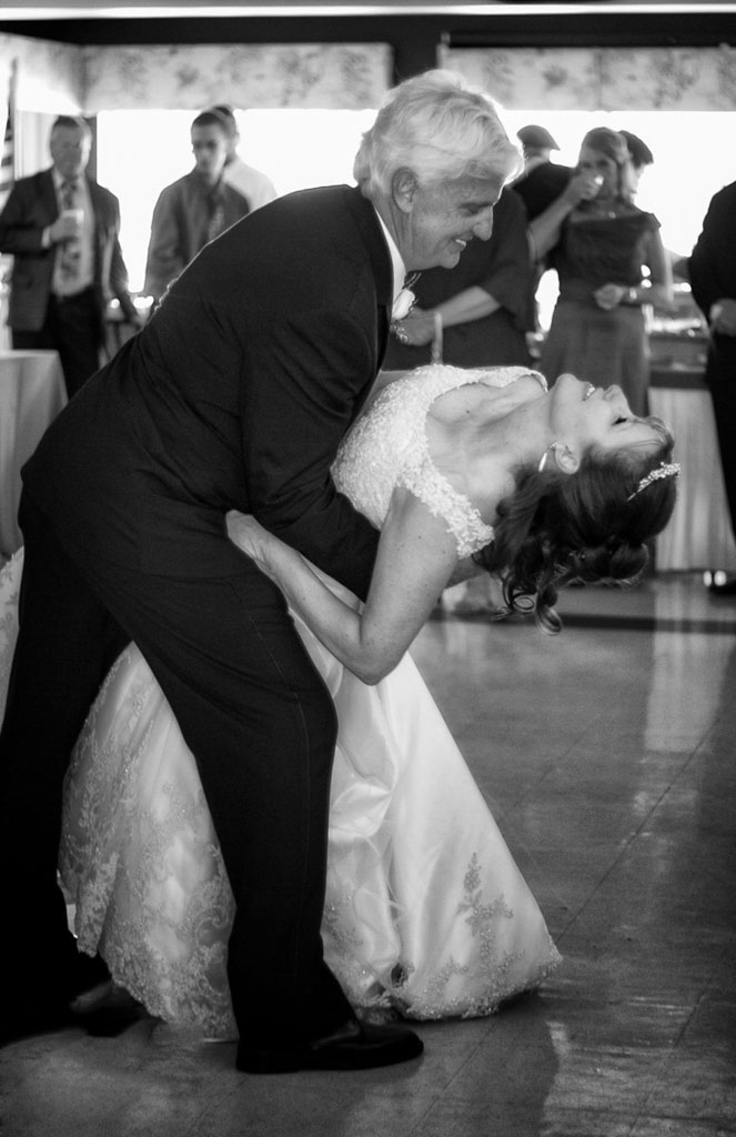 Hawaii wedding professional photographer black and white first dance dip