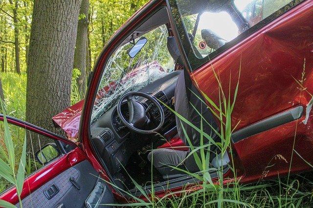 Sind Insassenunfallversicherung und Fahrerschutzversicherung sinnvoll?