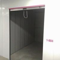 Grand box/réserve avec ouverture par rideau métallique