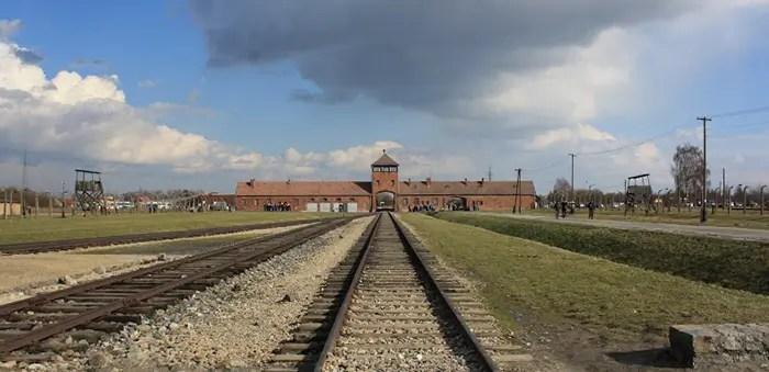auschwitz birkenau concentratiekamp ingang