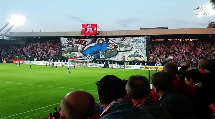 Cracovia Krakau voetbal wedstrijd bezoeken