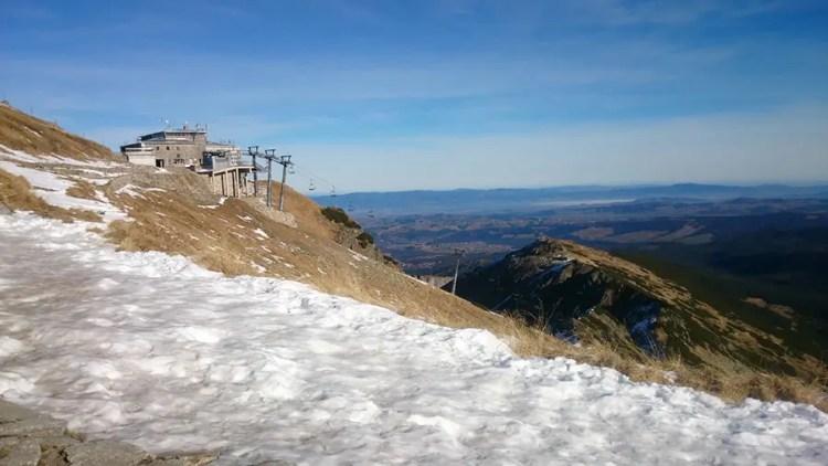 Tatra bergen met sneeuw en zon