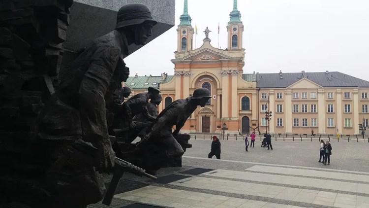 Monument Warschau - Bezoek Krakau.nl