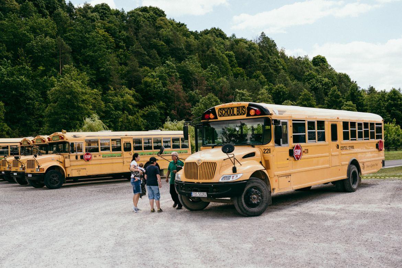 amerykański autobus schoolbus safari bałtów