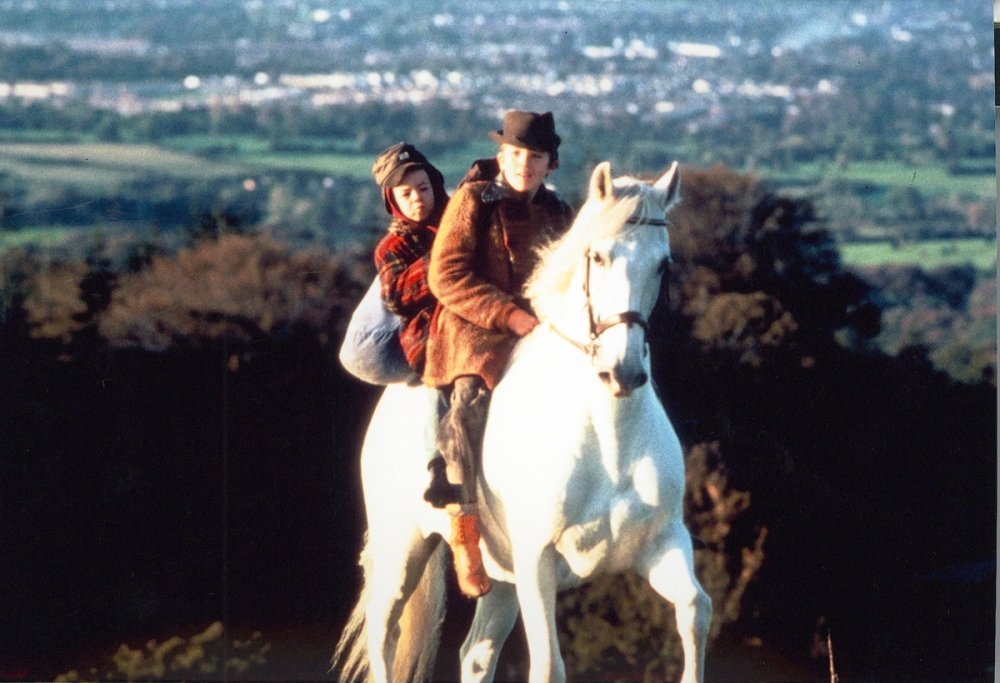 https://i2.wp.com/www.bfi.org.uk/sites/bfi.org.uk/files/styles/full/public/image/into-the-west-1992-001-boys-on-white-horse-in-countryside.jpg?ssl=1