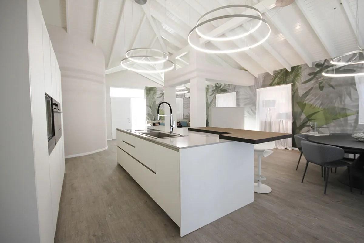 Ispirazione interior designer per case moderne bf interni for Case moderne interni cucine