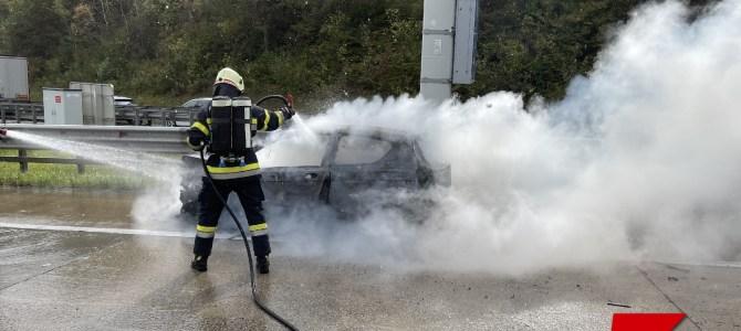 Fahrzeugbrand auf der A10