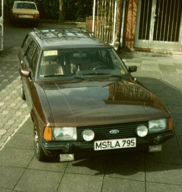 1990 My Ford Granada - still with MEDICA Sticker on the windshield