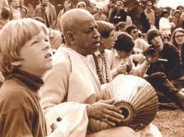 O cantar do maha- mantra Hare Krsna em Nova York