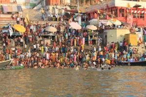 Banho no Rio Ganges, em Varanasi
