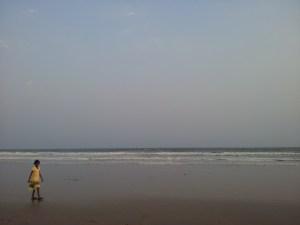 O belo mar em Jagannatha Puri