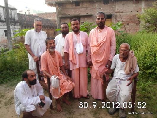 Sriman Siddhanatha Prabhu junto a devotos em Vrindavana