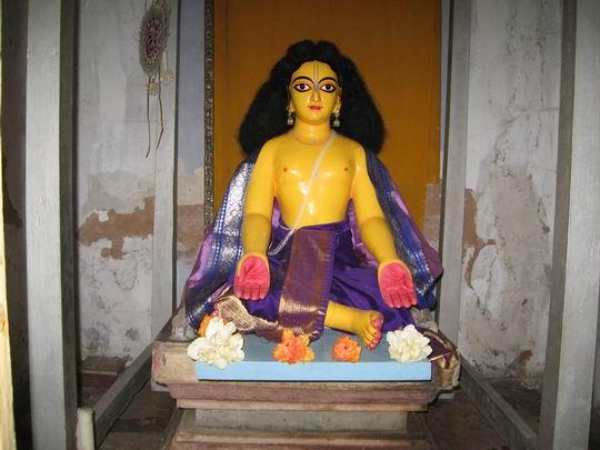 Deidade de Sri Nityananda Prabhu em Ekacakra, o local do seu aparecimento.
