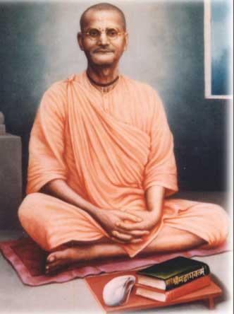 Este dia, saradiya-rasa-purnima (o dia da lua cheia em que a rasa-lila do outono de Krsna começa), é importante em vários aspectos. Neste dia, meu Gurudeva entrou em nitya-lila, nos passatempos eternos de Sri Sri Radha-Krisna.