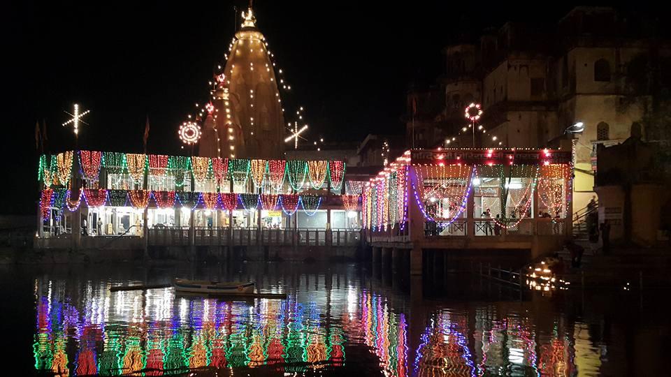 Darsan do Manasi Ganga na sagrada noite de Dipavali, em Vraja-Mandala Parikrama 2015!