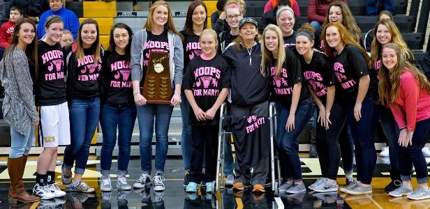 volleyball team Carrie Calderon Award - Spring 2015 (web)