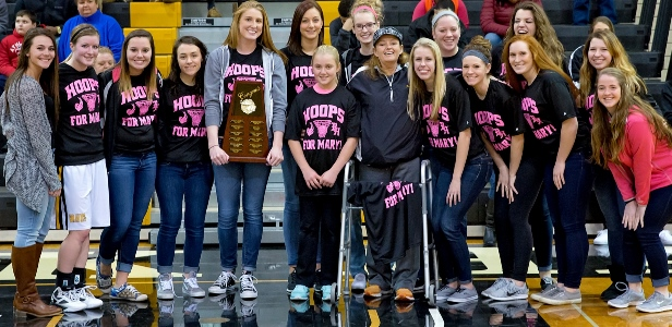 volleyball team Carrie Calderon Award - Spring 2015 (web)