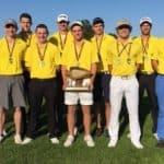 Golf Team with award