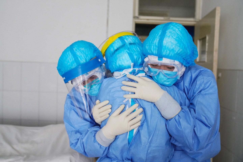 कोरोना भाइरस : ज्यान गुमाउनेको संख्या २ लाख ३९ हजार नाघ्यो, ३३ लाख ९८ हजारबढी संक्रमित