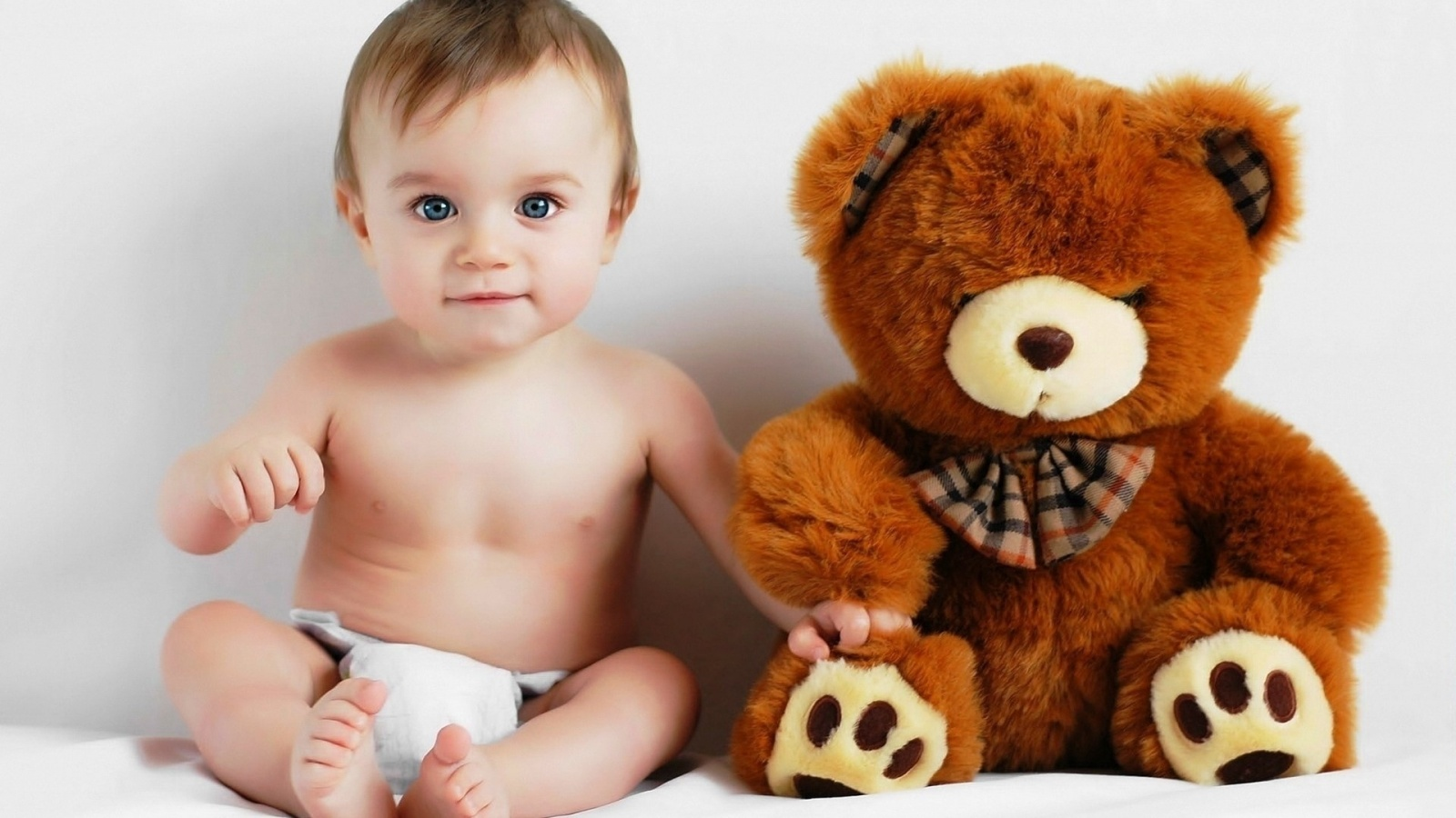 baby and teddy bear wallpapers - 1600x900 - 325195