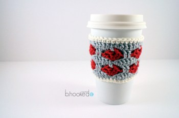 crochet heart cup cozy