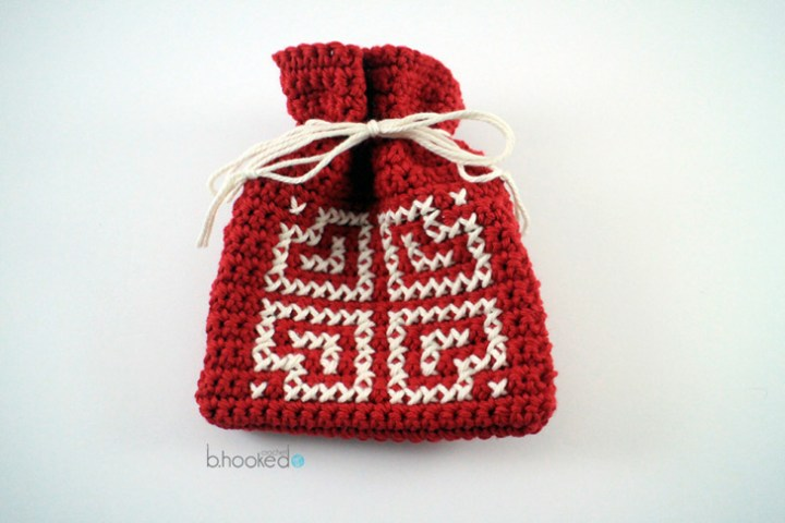 crochet valentine goody bag
