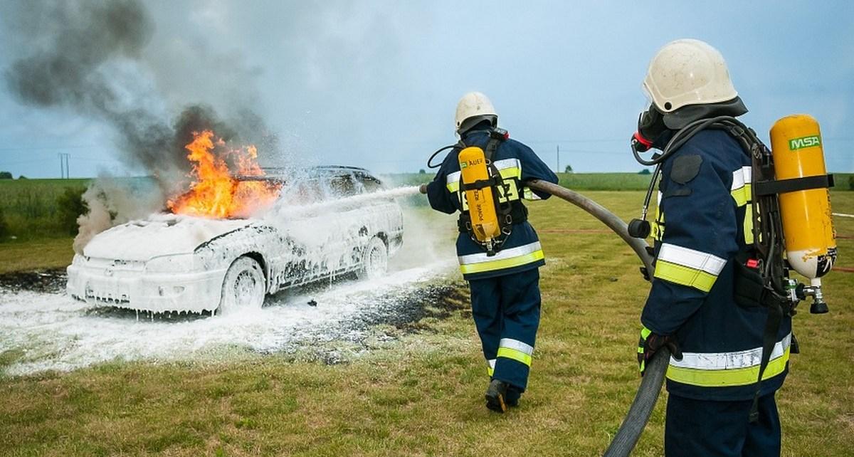 ustalili sprawcę grudniowego podpalenia samochodu