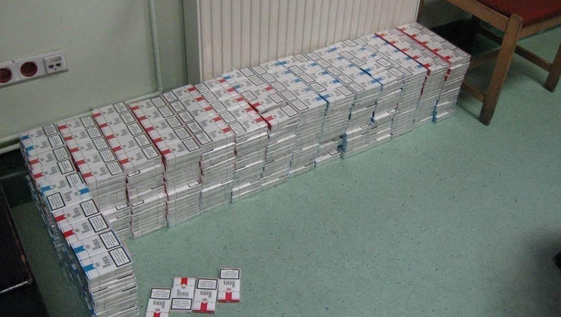 Blisko 270 kartonów papierosów w Peugeocie Białorusina