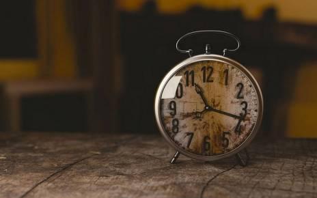 W weekend śpimy dłużej - zmiana czasu z letniego na zimowy